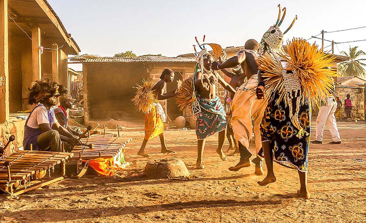 La Danse Ngoro