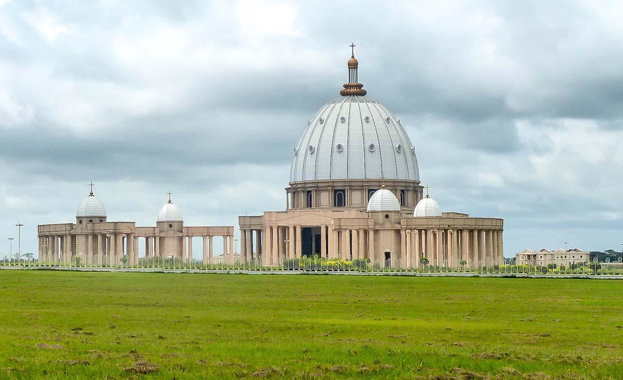 basilique-Notre-Dame-de-la-Paix-de-Yamoussoukro